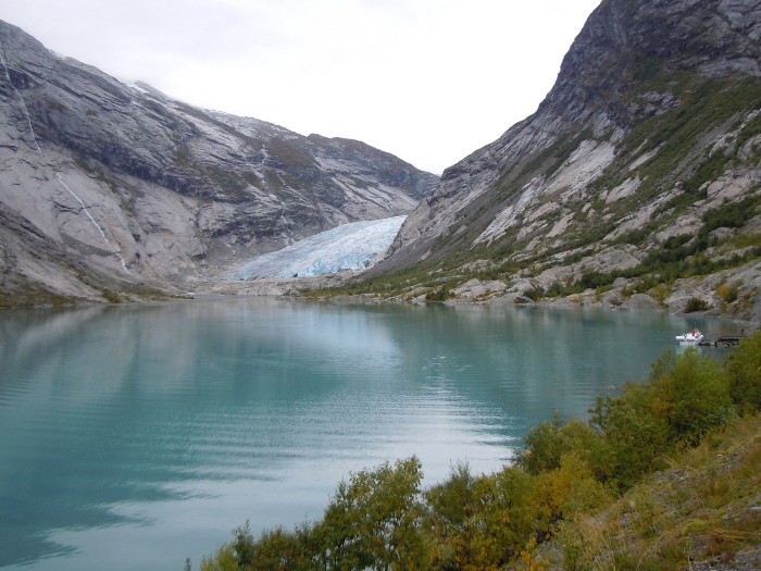 Jostedalsbreen lake